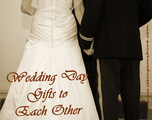 Gift Ideas For Groom On Wedding Day: Bride & Groom Gifts